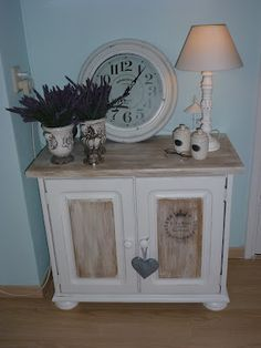 This is how the ugly cupboard turned out. I know about 5 people who want one to. Hope I can find some more.