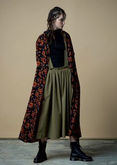 Y's Yohji Yamamoto Fall 2016 Ready-to-Wear Collection Photos - Vogue … Yohji Yamamoto, Looks Cool, Looks Style, Style Me, Look Fashion, High Fashion, Fashion Show, Fashion Design, Fashion Styles