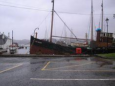 File:Vital Spark December 2006 at Crinan. Steam Boats, Old Boats, Navy Ships, Fishing Boats, Glasgow, Paddle, Sailing Ships, Steamers, Boating