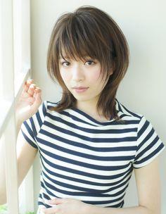 小顔ボリュームミディアムヘア(YR-323) | ヘアカタログ・髪型・ヘアスタイル|AFLOAT(アフロート)表参道・銀座・名古屋の美容室・美容院