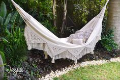 Handmade hammock, this product is carefully handcrafted on a manual loom by women from a town called Morroa in Colombia.  In Morroa, knitting is