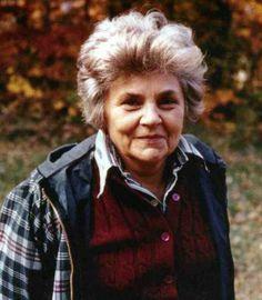 What makes an Elizabeth Bishop poem an Elizabeth bishop poem? What makes her poems special? PLEASE HELP.!?