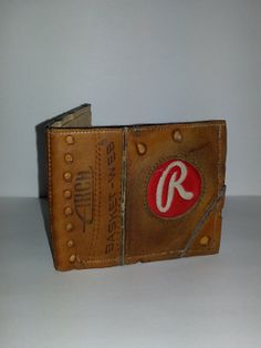 Vintage baseball glove wallet. Hand crafted by SchambeauLeather, $130.00