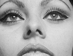 ... sophia loren inspired cat eye tutorial ...