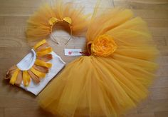 TUTU skirt for LION's COSTUME - Mardi gras lion costume -halloween lion costume - mardi gras lion - Eastern chick costume -custom made skirt Tutu cousu court de ballerine sur mesure COSTUME par bepoppy Diy Tutu, Costume Halloween, Lion King Costume, Scarecrow Costume, Costumes Avec Tutu, Diy Costumes, Chiffon Flowers, Fabric Flowers, Mardi Gras