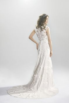 krajkové svadobné šaty svadobný salón valery 6392_FB_0593 Lace Wedding Dress, Wedding Dresses, Salons, Fashion, Bride Dresses, Moda, Lace Wedding Dresses, Bridal Gowns, Lounges