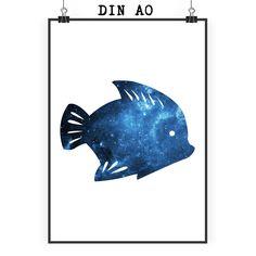Poster DIN A0 Fisch aus Papier 160 Gramm  weiß - Das Original von Mr. & Mrs. Panda.  Jedes wunderschöne Motiv auf unseren Postern aus dem Hause Mr. & Mrs. Panda wird mit viel Liebe von Mrs. Panda handgezeichnet und entworfen.  Unsere Poster werden mit sehr hochwertigen Tinten gedruckt und sind 40 Jahre UV-Lichtbeständig und auch für Kinderzimmer absolut unbedenklich. Dein Poster wird sicher verpackt per Post geliefert.    Über unser Motiv Fisch  Da die Welt zu 70 % aus Wasser. Für…