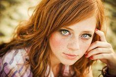 Very pretty ginger girl.  Stinkydawg via Thomas McKiernan onto Gingers