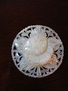love mother-of-pearl  beautiful brooch