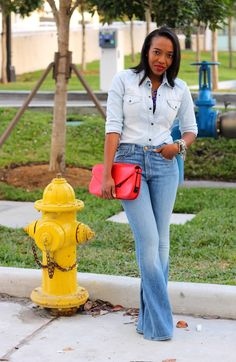 denim on denim + cobalt statement necklace + orange red clutch Dope Fashion, Denim Fashion, Fashion Brand, Fashion Looks, Beautiful Outfits, Cool Outfits, Summer Outfits, Funky Pants, Cool Style