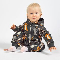 Nalle collegehaalari - Jesper Junior   FAOR Oy Baby Wearing, Autumn, Fall Season, Fall, Babywearing