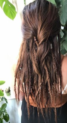 This is what I want and why I'm brushing out half of my dreads! - Frisuren - This is what I want and why I'm brushing out half of my dreads! Half Dreads, Partial Dreads, Pelo Rasta, Rasta Hair, Dreadlock Extensions, Dreadlock Styles, Braid Extensions, Dreadlock Hairstyles, Braided Hairstyles