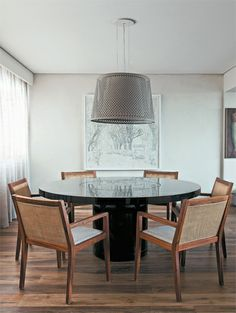 Apartamento Jardins III / Carolina Rocco #dining #lighting