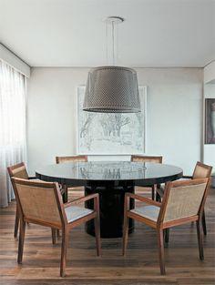 Apartamento Jardins III / Carolina Rocco #dining #lighting