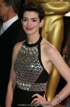 Anne Hathaway  The 86th Annual #Oscars held at Dolby Theatre http://www.icelebz.com/events/the_86th_annual_oscars_held_at_dolby_theatre/photo40.html