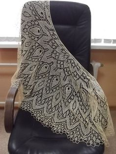 Many thanks Ausch9a for sharing the beautiful picture with us! Here is a picture of Cactus Flower Shawl knitted by Ausch9a! You can see more pictures of Cactus Flower Shawl which knitted by Ausch9a at https://www.ravelry.com/projects/Ausch9a/cactus-flower