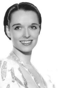 Photo from the Louise Brooks Society page, probably from around 1935 or so. Golden Age Of Hollywood, Hollywood Stars, Classic Hollywood, Old Hollywood, Louise Brooks, Silent Film Stars, Movie Stars, Lost Girl, Star Wars