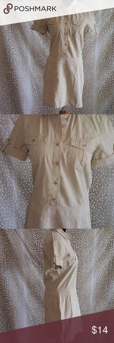 J CREW KHAKI CASUAL DRESS SIZE M Style: Women's Casual Dress (DS 01 - 207) Brand: J. Crew Material: 100% Cotton  Measurements: Length 33 Pit To Pit 18 Color: Khaki  Size: Medium  Condition: Great  Country of Manufacture: China J. Crew Dresses