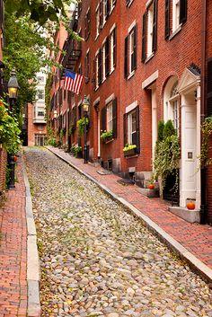 #Boston ~ Beacon Hill ~ Acorn Street