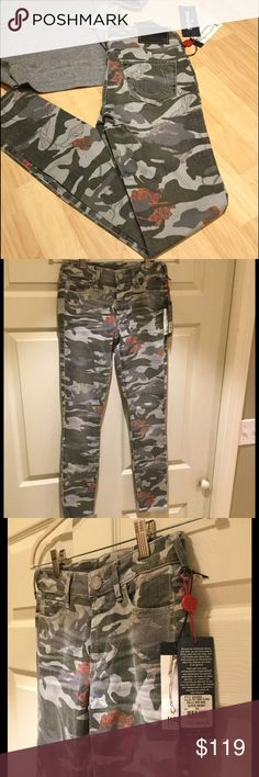 "BOGO SALE! NWT True Religion Halle Mid Rise Skinny Ultra-skinny jeans in a camouflage/floral print.  Zip fly with button closure, 5 pocket style, inseam: 30"".  Cotton/Rayon/Spandex. 🎉11/29 only - BOGO 75% off all pants and jeans!🎉 True Religion Jeans Skinny"