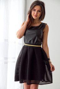 Rozkloszowana sukienka z siatką - czarna