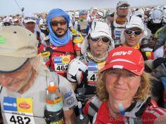 Marathon des Sables. Aan de start naast legendary Marco Olmo! Beschreven in boek Eenzame Uren.