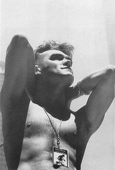 pink-haired-mancunian: spmorrissey: Photographed by Linder Sterling on the Kill Uncle tour