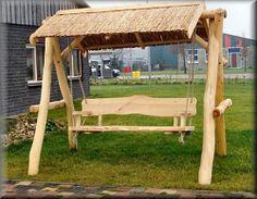 mooie houten schommelbank