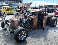 Rat Rods are cool, and I am here to give you of my 10 reasons why I love them: Rat Rod Cars, Hot Rod Pickup, Rat Traps, Rat Look, Car Memes, Us Cars, Vintage Trucks, Kustom, Custom Cars