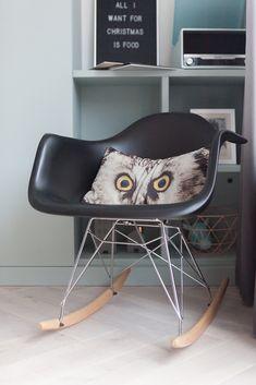 Woonkamer, living, rocking chair, Eames, schommelstoel, tv kast op maat