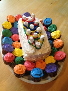 Rainbow Loom cake with fondant rubber bands