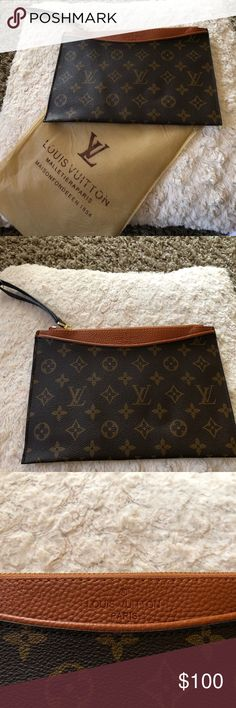 Clutch/wristlet  This is too cute! Brand new! Can make a great gift. Bags