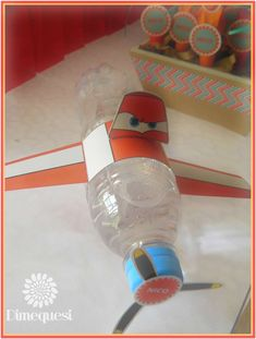 Vintage Planes Vintage Planes fire - Dimequesi 's Birthday / Airplanes - Photo Gallery at Catch My Party 90th Birthday Parties, Birthday Party Decorations, Disney Planes Party, Planes Birthday, Airplane Party, Travel Party, Baby Party, Baby Shower, Birthdays