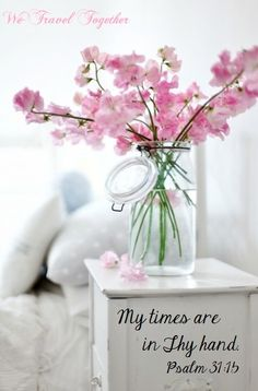 Spring is coming, I know you'll say that it's February – but the spring is already in the air! Spring is the time of blooms, and a floral arrangement . My Flower, Fresh Flowers, Pink Flowers, Beautiful Flowers, Draw Flowers, Bouquet Flowers, Romantic Flowers, Bright Flowers, Simple Flowers
