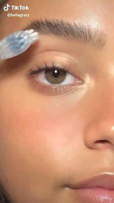 natural makeup for brown eyes . natural makeup for black women . natural makeup looks . natural makeup for blue eyes . natural makeup for blondes . Makeup Eye Looks, Cute Makeup, Pretty Makeup, Skin Makeup, Makeup Monolid, Glow Makeup, Simple Eye Makeup, Maquillage On Fleek, Natural Glowy Makeup