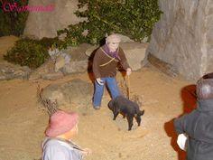 Le rabassier et son chien -- Souvent le chercheur de truffes ou rabasses est représenté avec un cochon, il est bien rare de le voir avec un chien.