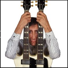 Pete Townshend holding a Gibson EDS1275