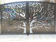 Integrar segurança e beleza é o que buscamos com os nossos produtos personalizados. Cortes em plasma com extrema qualidade e precisão em Brasília - DF Wrought Iron Driveway Gates, Metal Garden Gates, Front Gates, Entrance Gates, Gate Wall Design, Main Gate Design, House Gate Design, Door Design, Jalli Design