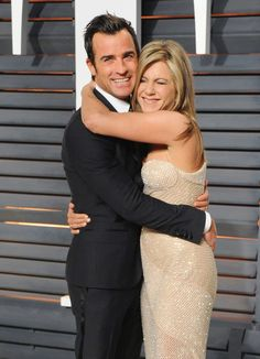 "Justin Theroux on the one person he'd want to be with in a zombie apocalypse: ""[Jen], that's who I'd want to bring back. That's who I'd want to bring with me."""