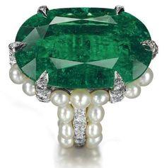 Antique emerald, pearl and diamond ring - unique jewelry