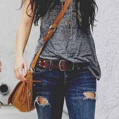 love everything... jeans top belt bag and necklacke