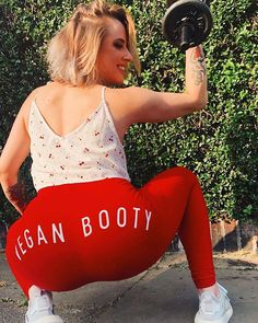 #Repost @saintsinnr.vegan  WHAT BOOTY AGAIN?????  #VeganBooty FFS! Will you ever learn? _ #throwbackthursday to that time when London was hot and my hair was grey  thanks Universe at least my ass stayed with me! _ BY THE WAY: I just hit 1k followers today  and I just want to say thank you! Im very grateful for every person whos here with me.  Also I know that people keep following and unfollowing me so the number might change but WHO CARES!  Im happy anyway!  _  If you have any suggestions about Bikini Poses, Very Grateful, If I Stay, Im Happy, Universe, Booty, Change, London