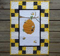debbie mumm honey bee quilt | Debbie Mumm Honey wallhangy | Debbie ... : bee quilt pattern - Adamdwight.com