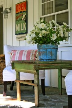 "countrymarketplace: ""(via Pin by The Country Marketplace on Country Home : Porches 