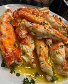 Think Food, I Love Food, Good Food, Yummy Food, Baked Crab Legs, Baked King Crab Legs Recipe, Comida Picnic, Seafood Boil Recipes, Food Porn