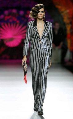 Madrid Fashion Week Primavera Verano 2013-2014 Montesinos apuesta en este caso por un diseño de lo más masculino