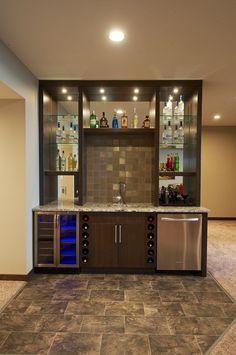 niverville manitoba canada Wet Bar home bar traditional with built in dark wood flat panel cabinets Flat Panel Cabinets, Diy Home Bar, Basement Bar Designs, Small Bars, Home Wet Bar, Kitchen Bar Design, Bars For Home, Basement Remodeling, Home Bar Designs