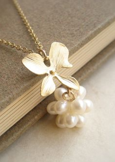 Pearl Ball Pendant Necklace for your White Summer