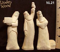 Nativities Christmas Nativity Set, Christmas Wood, Christmas Projects, Willow Tree Nativity, Dremel Projects, Three Wise Men, Got Wood, Santa Ornaments, Whittling