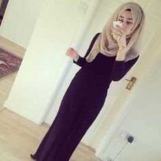Image in Hijab collection by Iram on We Heart It Hijabi Girl, Girl Hijab, Hijab Outfit, Hijab Fashionista, Swag Style, Hijab 2016, Hijab Collection, Maxi Outfits, Muslim Girls